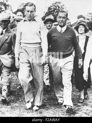 Walter Hagen and Henry Cotton during their 36 hole challenge match, July 29, 1933. Hagen won the match played on - Stock Photo