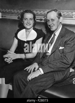 Harry Hopkins and his fiance, Louise Macy were married at the White House on July 30, 1942. Hopkin's was Franklin - Stock Photo