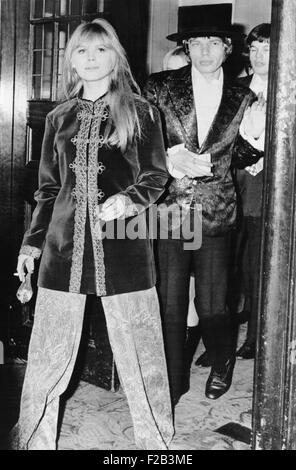 Singer Mick Jagger, and his girlfriend Marianne Faithfull arrive at the Royal Opera House. They attended the gala - Stock Photo