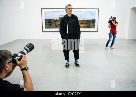 Berlin, Germany. 16th Sep, 2015. Movie director and photographer Wim Wenders poses during a press conference for - Stock Photo