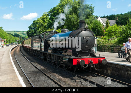 LNER Q6 0-8-0 No. 63395 steam locomotive at Grosmont Station on the NYMR, Yorkshire, England, UK - Stock Photo