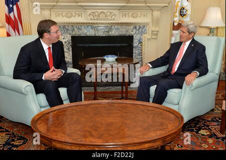 Washington, DC, USA. 16th Sep, 2015. US Secretary of State John Kerry and Serbian Prime Minister Aleksander Vucic - Stock Photo