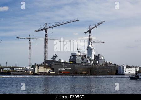 USS Vella Gulf (CG-72) in dry dock in GENERAL DYNAMICS NASSCO shipyard Norfolk Virginia April 2015 - Stock Photo