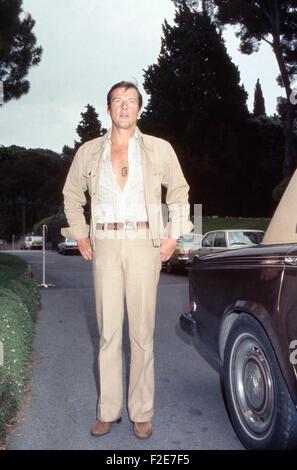 Der britische Schauspieler Roger Moore, Deutschland 1970er Jahre. British actor Roger Moore, Germany 1970s. 24x36DiaV4 - Stock Photo
