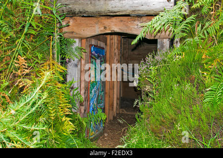 ABRIACHAN TRAIL OR WALK ABOVE LOCH NESS ENTRANCE TO THE HIDDEN WHISKY STILL - Stock Photo
