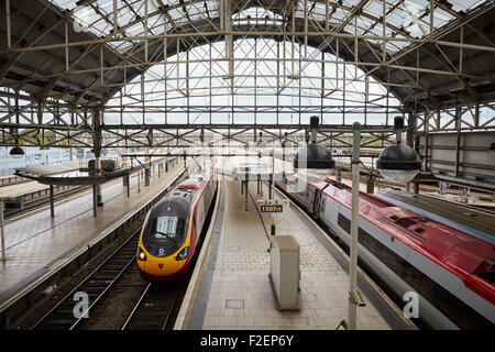 Manchester Piccadilly railway station   Manchester Piccadilly is the principal railway station in Manchester, England. - Stock Photo