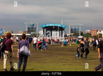 Victorious Festival Common (main) stage showing the crowds, cloudy weather and the atmosphere of the day. - Stock Photo