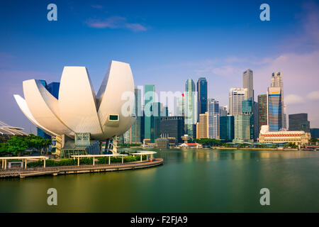 Singapore skyline at Marina Bay. - Stock Photo