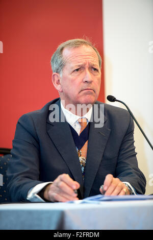 Hong Kong. 18th September, 2015. Alderman Alan Yarrow, The Lord Mayor of London, talks to the press at the British - Stock Photo