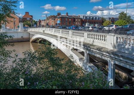 The bridge over the river Mersey at Bridge foot in Warrington. - Stock Photo