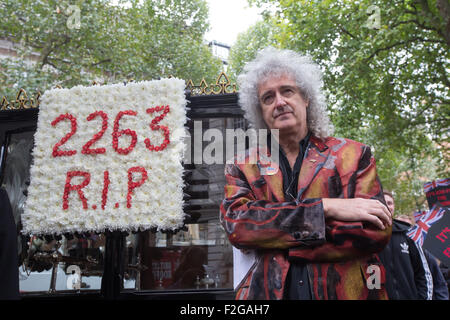 Brian May,lead guitarist with the rock band Queen,leads a demonstration against the badger cull.2263 badgers have - Stock Photo