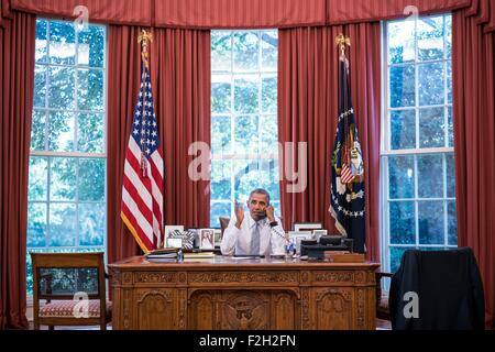 Washington DC, USA. 18th September, 2015. US President Barack Obama talks on the phone with Cuba President Raul - Stock Photo