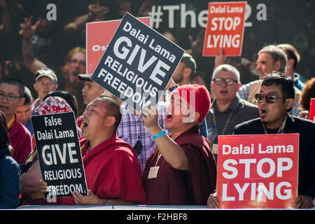 London, UK. 19th September, 2015. Members of the Shugden community protest outside the O2 Arena accusing the Dalai - Stock Photo
