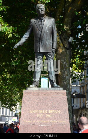 Cardiff Statue Aneurin Bevan - Stock Photo
