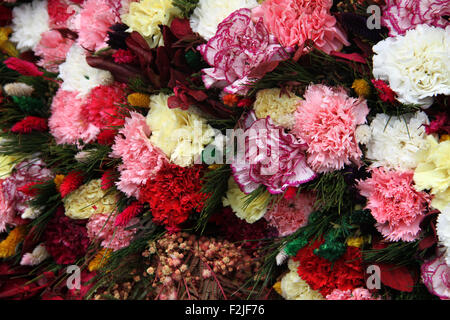 bunch flowers for sale in Kodaikanal - Stock Photo