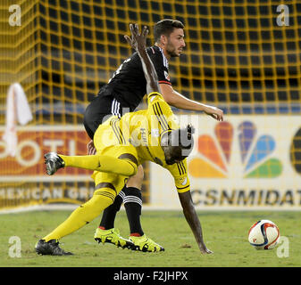 Washington, DC, USA. 19th Sep, 2015. 20150919 - D.C. United defender Steve Birnbaum (15), back, knocks Columbus - Stock Photo