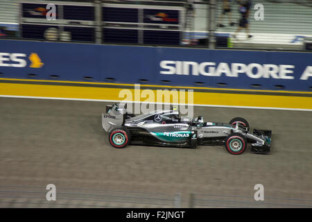 Singapore. 20th September, 2015. German Nico Rosberg of F1 team Mercedes AMG down the pit straight at Singapore - Stock Photo