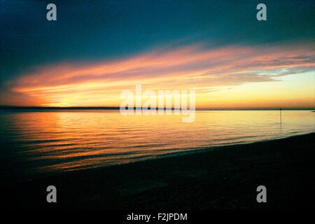 AJAXNETPHOTO - SOLENT, ENGLAND.- SUNSET - WINTER SKY.  JANUARY, NORTHERN HEMISPHERE. PHOTO:JONATHAN EASTLAND/AJAX. - Stock Photo