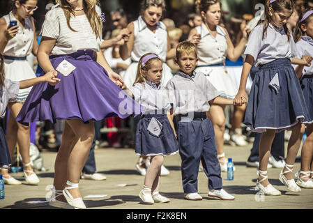 Barcelona, Catalonia, Spain. 20th Sep, 2015. Dancers take part in the 65th edition of the 'Sardanes groups' competition - Stock Photo