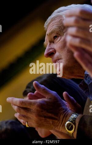Bournemouth, UK. 21st Sep, 2015. Paddy Ashdown listens to Former Deputy Prime Minister Nick Clegg MP addressing - Stock Photo