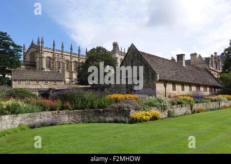 Christ Church Memorial Garden Oxford -1 - Stock Photo