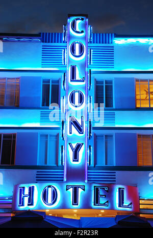 The Colony Hotel lights up the night in Miami Beach - Stock Photo
