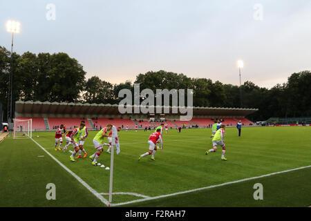 Franz Kremer Stadion. 22nd September 2015, Franz-Kremer-Allee, Köln . FC Köln v Rot-Weiß Oberhausen. As the sun - Stock Photo