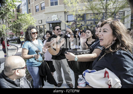 Washington, DC, USA. 23rd Sep, 2015. Pilgrims play music outside the Catholic University of America before a canonization - Stock Photo