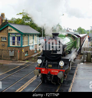 """Reigate, Surrey, UK. 24th September, 2015. The Cathedral's Express LNER B1 Class 4-6-0 no 61306 """"Mayflower"""" steam - Stock Photo"""