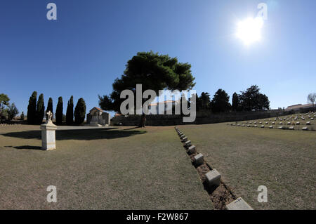 HMS Endymion memorial surrounded by graves at the CWGC Commonwealth War Graves Commission Portianos cemetary. Lemnos, - Stock Photo