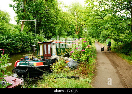 Houseboats in the Oxford Canal, Oxford, Oxfordshire, Great Britain, Europe - Stock Photo