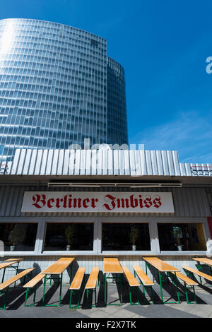 Germany, Duesseldorf, snack bar in front of GAP 15 - Stock Photo