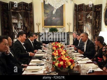 Washington, DC, USA. 24th Sep, 2015. Chinese President Xi Jinping (3rd L) meets with U.S. President Barack Obama - Stock Photo