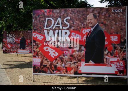 Wahlplakate zur Bundestagswahl 2013: SPD mit Peer Steinbrueck, 13. September 2013, Grosser Stern, Berlin-Tiergarten. - Stock Photo