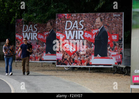 Wahlplakate zur Bundestagswahl 2013: SPD mit Peer Steinbrueck, 13. September 2013, Grosser Stern, Berlin-Tiergarten - Stock Photo