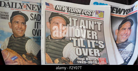 The New York tabloid newspapers on Wednesday, September 24, 2015 use the same photograph to report on the death - Stock Photo