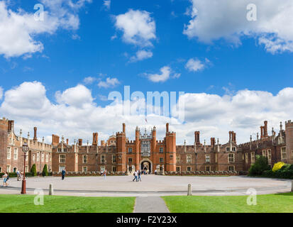 The West Front and Main Entrance to Hampton Court Palace, Richmond upon Thames, London, England, UK - Stock Photo