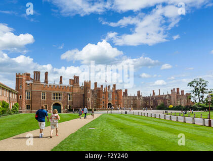 West Front and Main Entrance to Hampton Court Palace, Richmond upon Thames, London, England, UK - Stock Photo