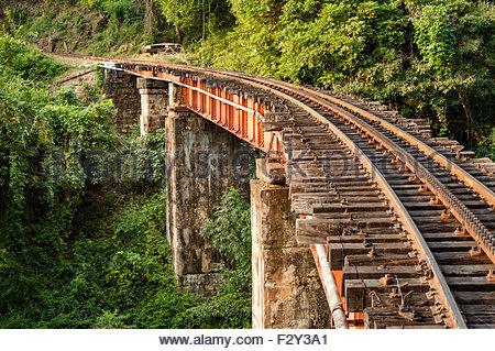 Section of the track and a bridge on the Nilgiri mountain railway at Mettupalayam.  The rack and pinion railway - Stock Photo