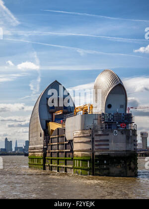 Thames Flood Barrier Pod, movable flood control structure prevents flooding, Greenwich, London - Stock Photo