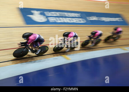 Manchester, UK. 26th Sep, 2015. The Pearl Izumi Female Team Pursuit in action at the 2015 British Cycling National - Stock Photo