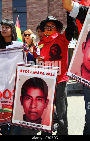 La Paz, Bolivia, 26th September 2015. Protesters commemorate the first anniversary of the disappearance of 43 students - Stock Photo