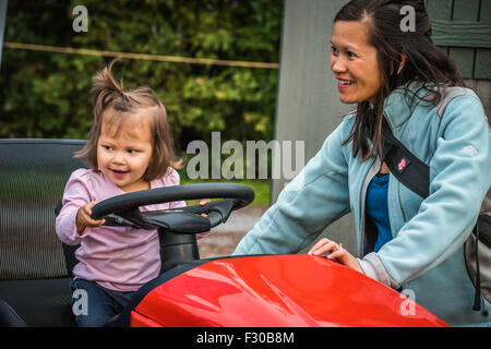 Lancaster, Pennsylvania, US. 25th Sep, 2015. Fall , seasonal traditional country fair.  Good food, farm animals - Stock Photo