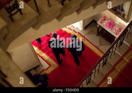 Washington DC, US. 25th Sep, 2015. U.S. President Barack Obama and Chinese President Xi Jinping descend the Grand - Stock Photo