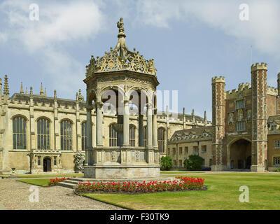 Cambridge University, Trinity College, Great Court - Stock Photo