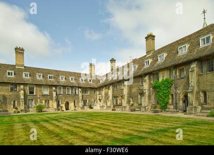 Cambridge, Corpus Christi College, Old Court - Stock Photo