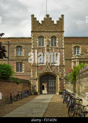 Cambridge University, Jesus College Gatehouse - Stock Photo