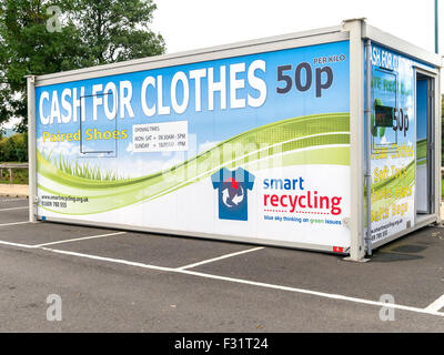 Smart recycling collection point for unwanted clothes, paying 50p per kilogram - Stock Photo