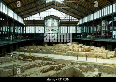 El Born Cultural Centre archaeological ruins of 18th century Barcelona - Stock Photo