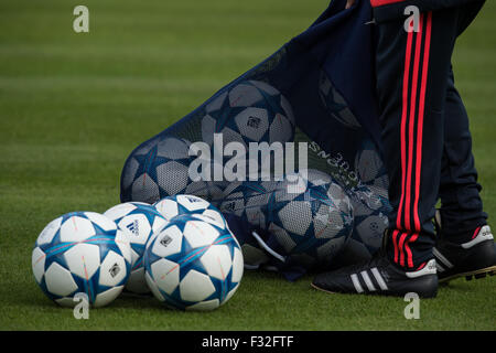 Munich, Germany. 28th Sep, 2015. The official Champions League match ball pictured during training at the Bayern - Stock Photo